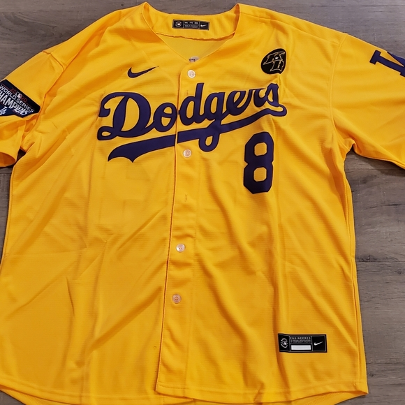 Dodgers Kobe Bryant men's 3x jersey